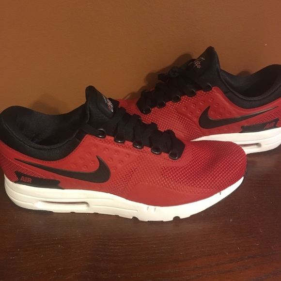 official photos d31b8 b9604 Nike Airmax Zero Essential Red and Black NWT